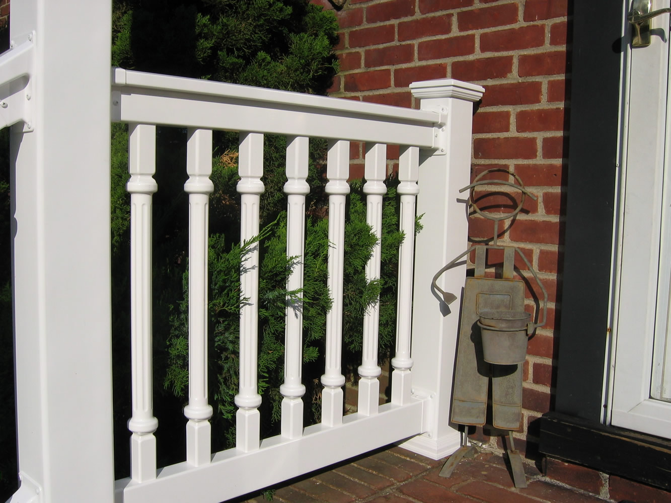 Reno Style PVC Railing with T-rail Tops and Porch Posts