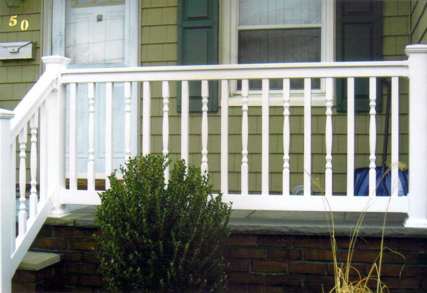 Custom Design PVC Railing with Alternating Square and Colonial Spindles