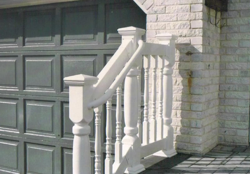 LMT Style Colonial Picket Railing with Handicap Accessory Railing Attached