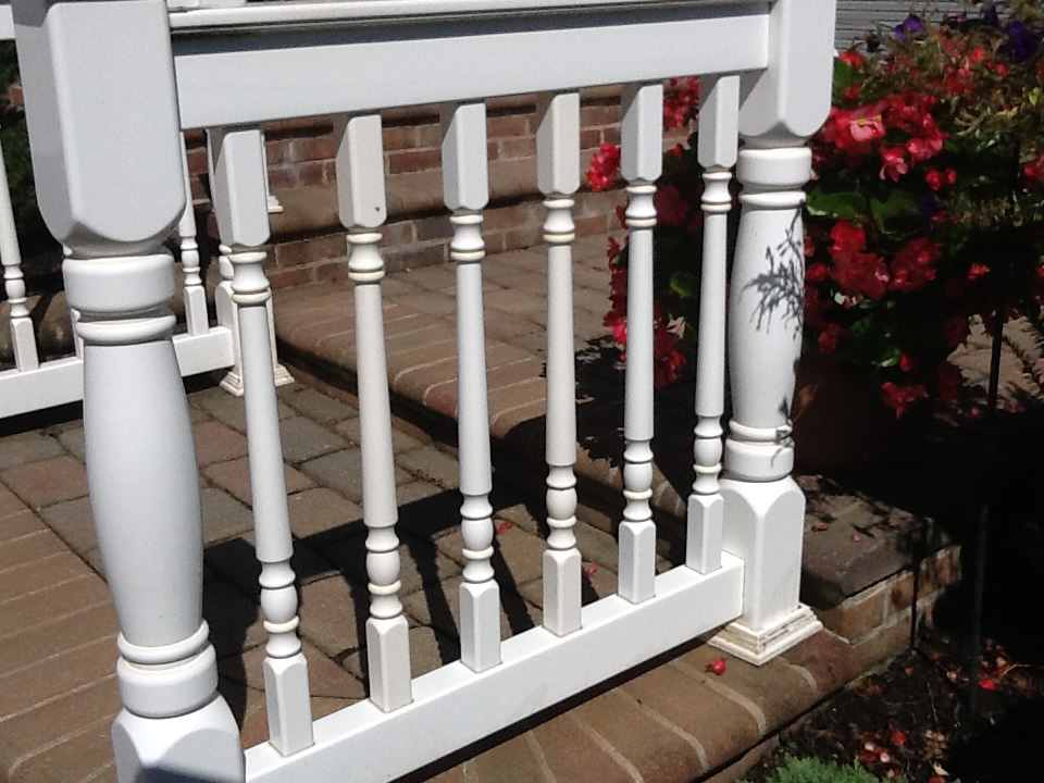 LMT Style Colonial Picket Railing Installed on Colonial Style Posts