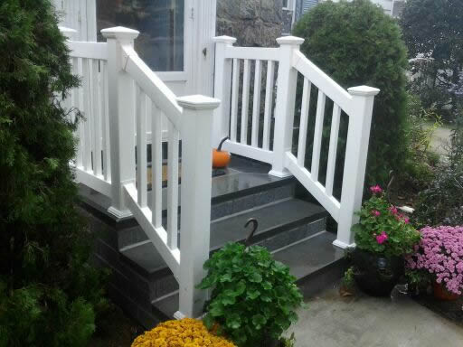 Phoenix Style PVC Railing with Top and Bottom Rails
