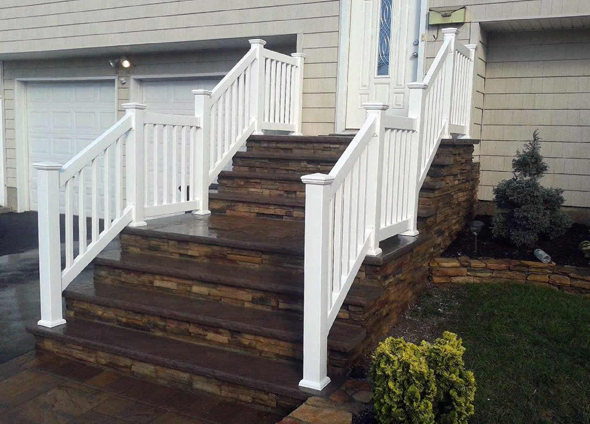 Phoenix Style PVC Railing with New England Caps