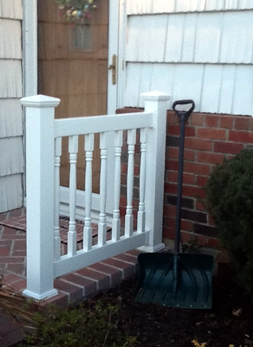 Reno Style PVC Railing with New England Caps